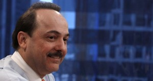 Ralph de la Vega, president and CEO of AT&amp;T Mobility and Consumer Markets, speaks at the Reuters Global Technology Summit New York