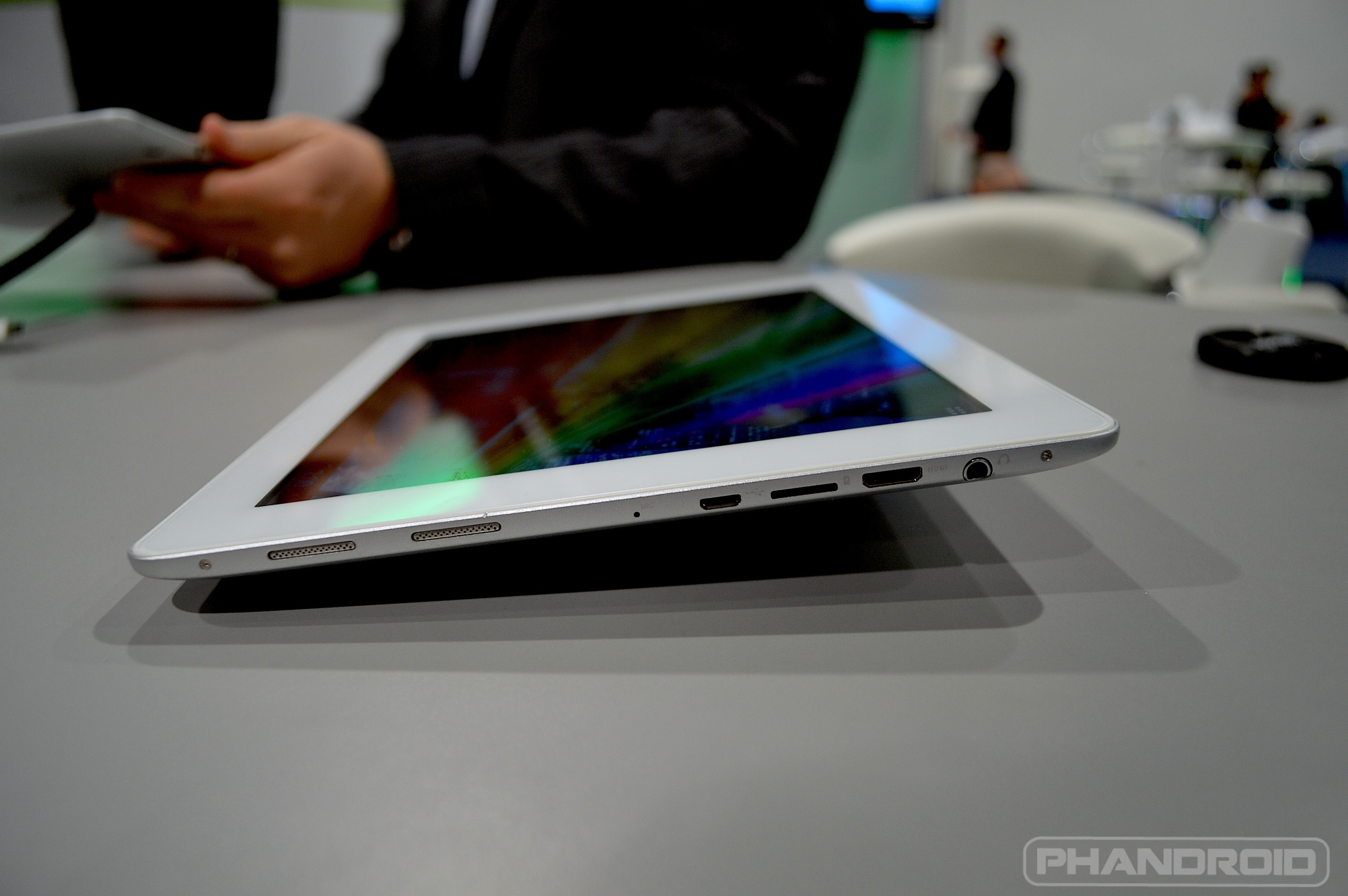 Android tab Hands-on: Sony Xperia ZL [VIDEO] Samsung teases