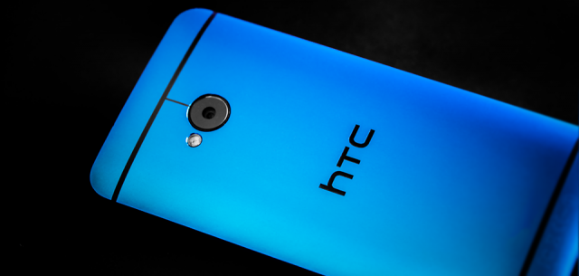 HTC One blue 1