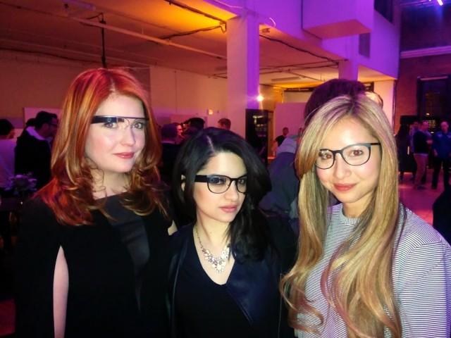 Google Glass girls Titanium