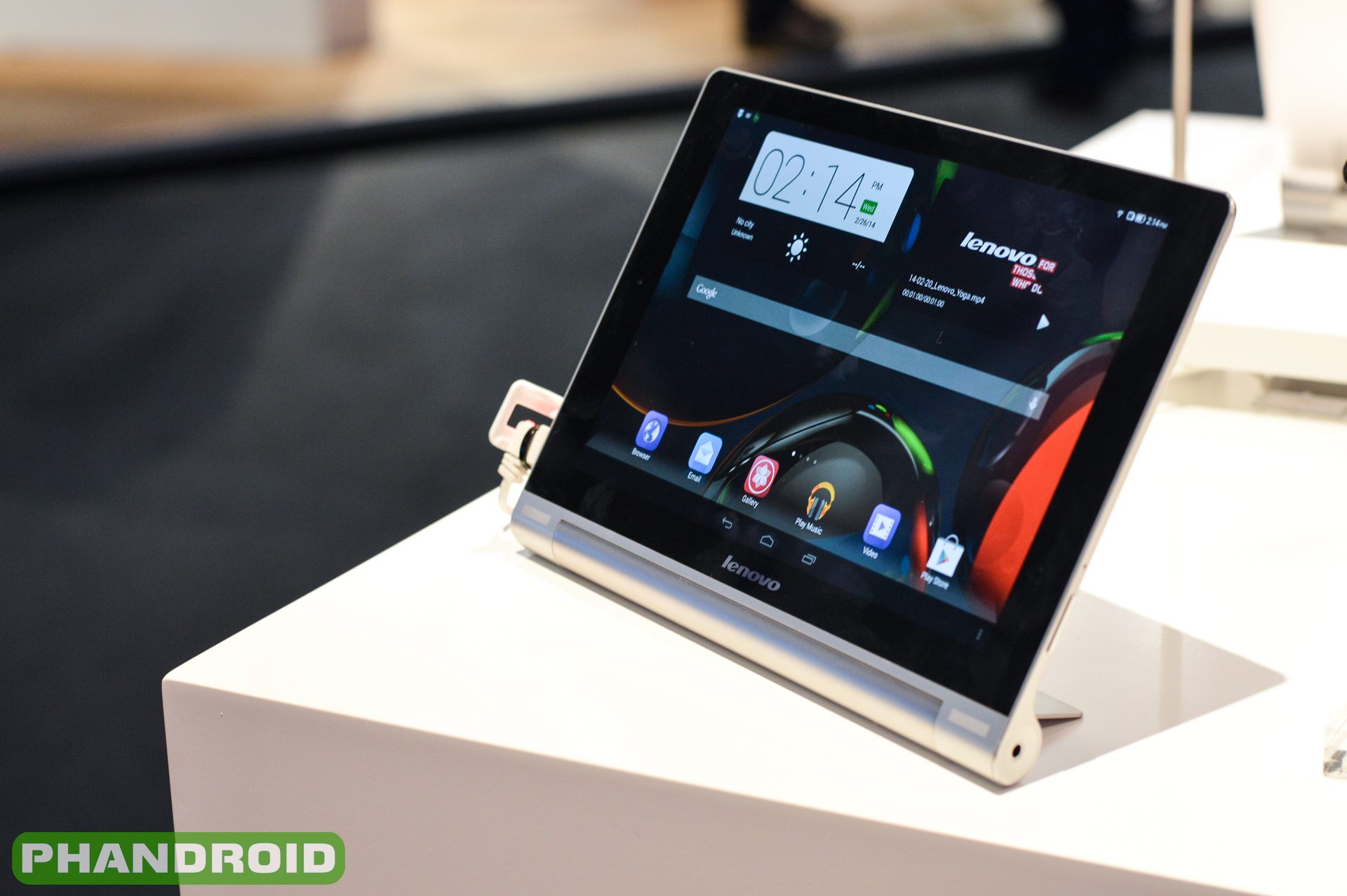 An interesting approach to mobile computing its new lenovo yoga