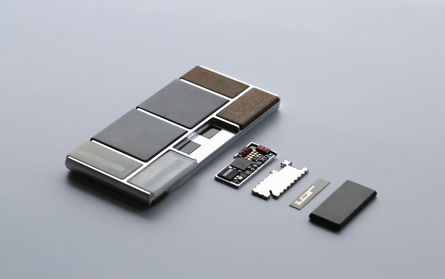 Google kicking off $100K Project Ara developer challenge to help.
