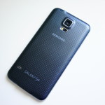Samsung Galaxy S5 back angle DSC05764