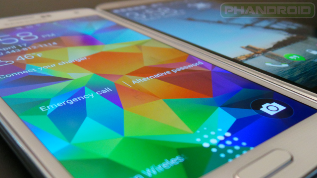 Screen: Samsung Galaxy S5 vs HTC One M8
