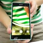 Xperia-Selfie-Phone_1-640x462