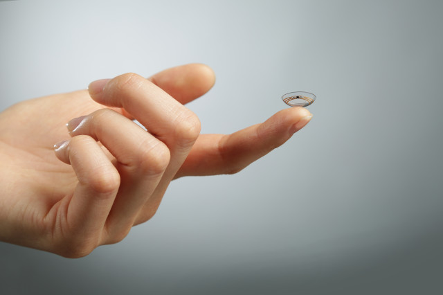 novartis smart contact lens 2
