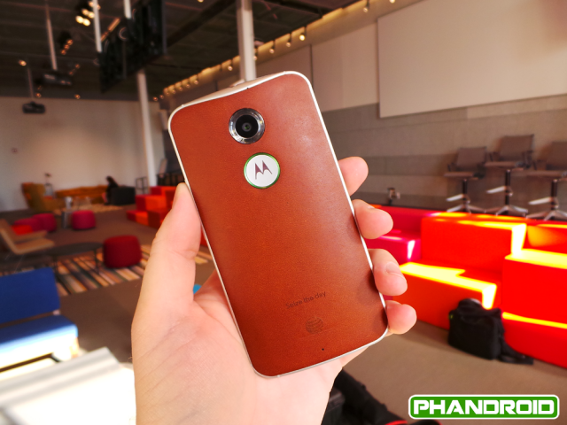 moto-x-cognac-leather-1