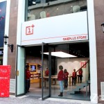 OnePlus Experience Store outside