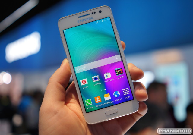 hands on with the metal clad samsung galaxy a5 and a3 video