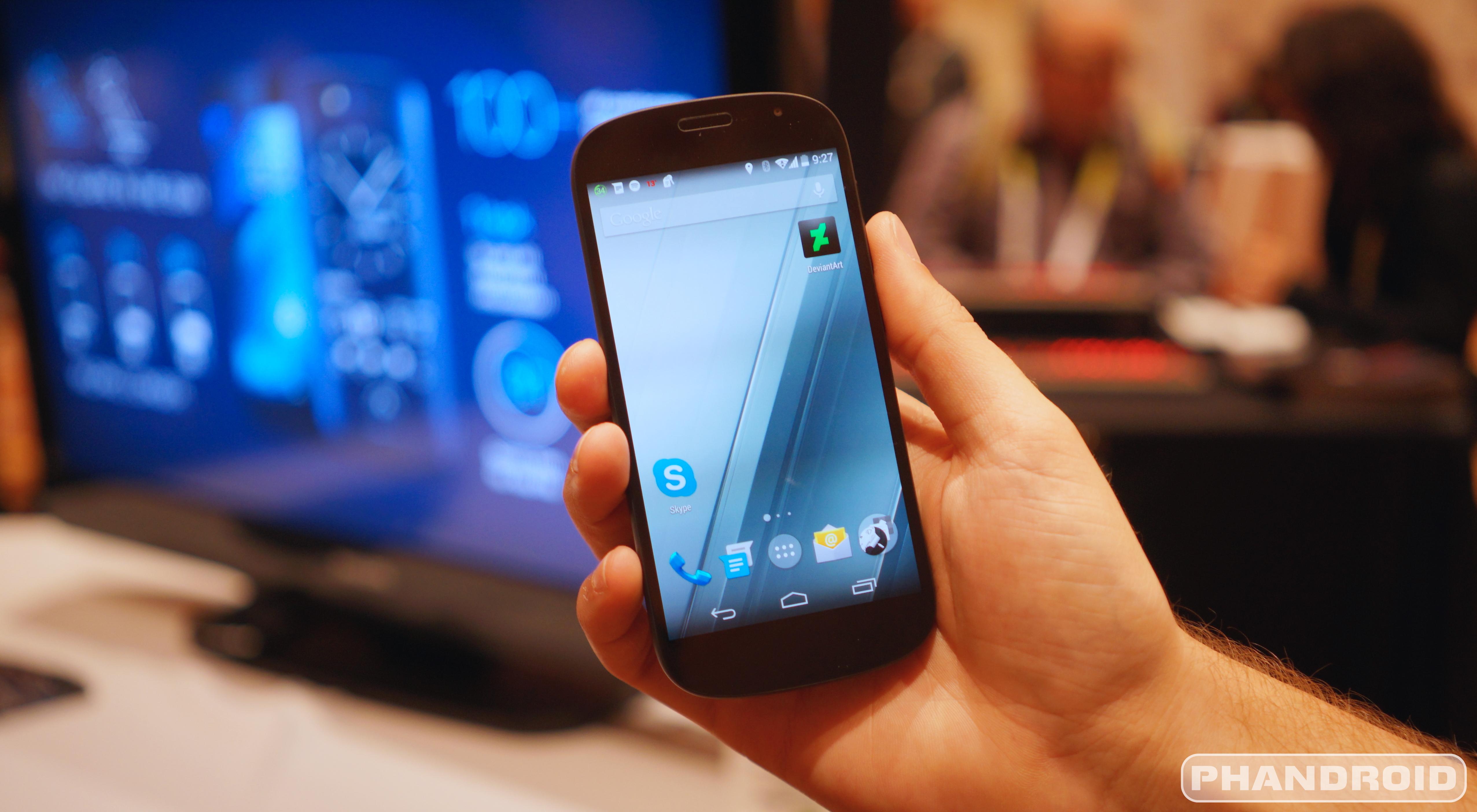 [CES 2015] Video cận cảnh YotaPhone 2 - 59613