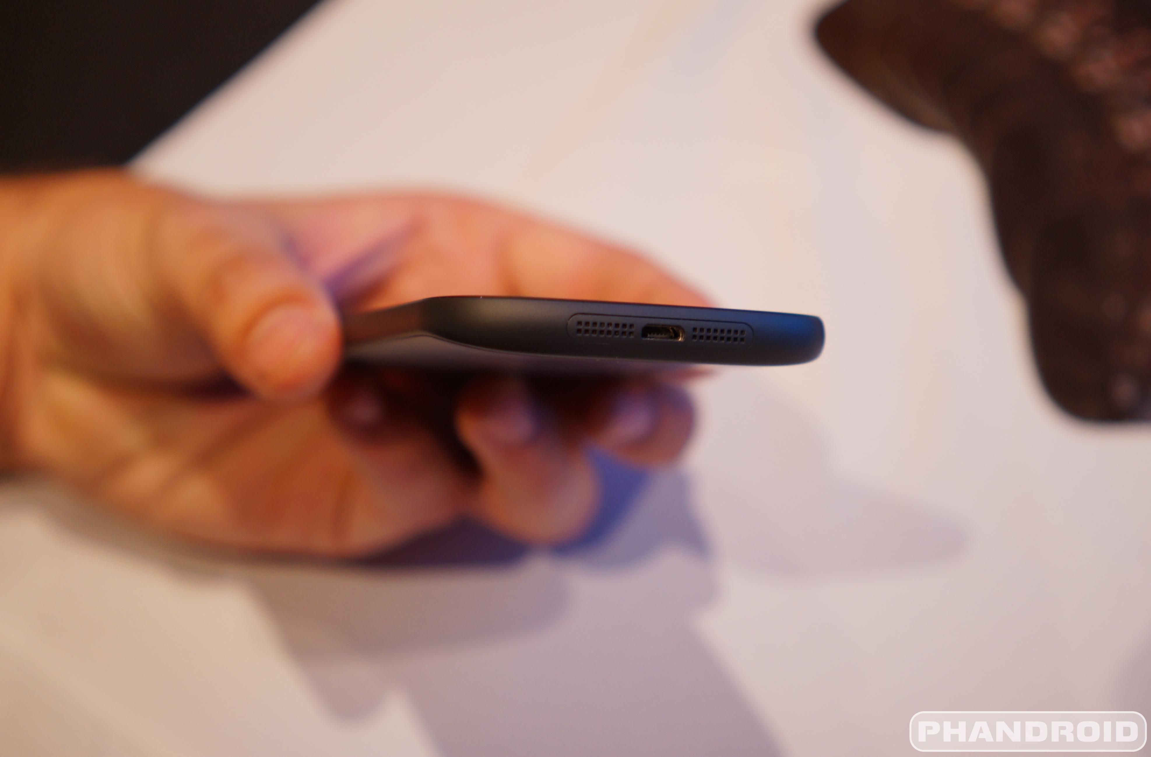 [CES 2015] Video cận cảnh YotaPhone 2 - 59616