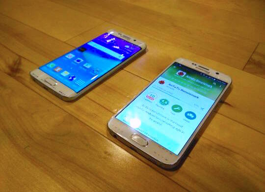 Samsung_Galaxy_S6_Edge_side-by-side_1