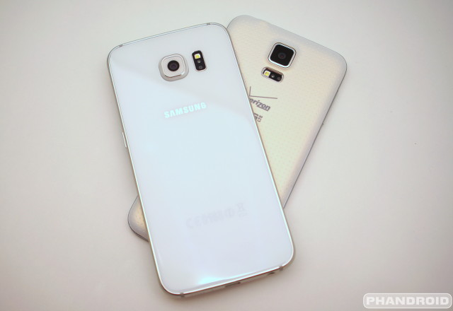 Samsung Galaxy S6 vs S5 backs