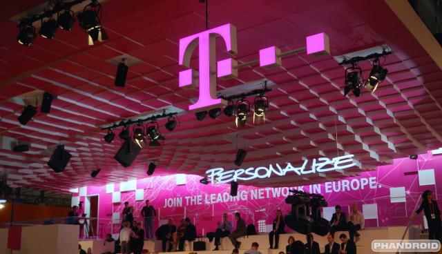 T-Mobile logo DSC08666