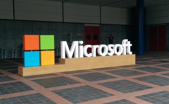 microsoft logo building