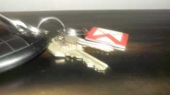 One-M9-Gmail-Keychain-Before