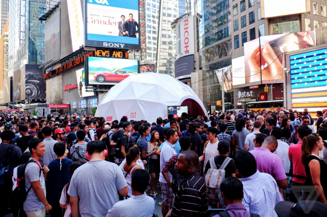 OnePlus experience Time Square New York City
