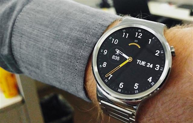 huawei_watch wrist