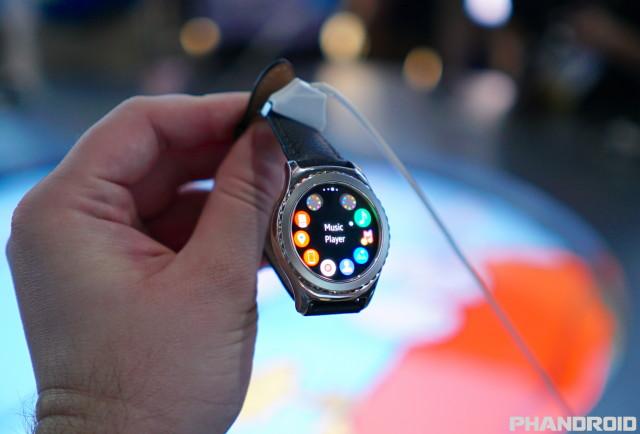 Samsung Gear S2 Classic platinum DSC00958