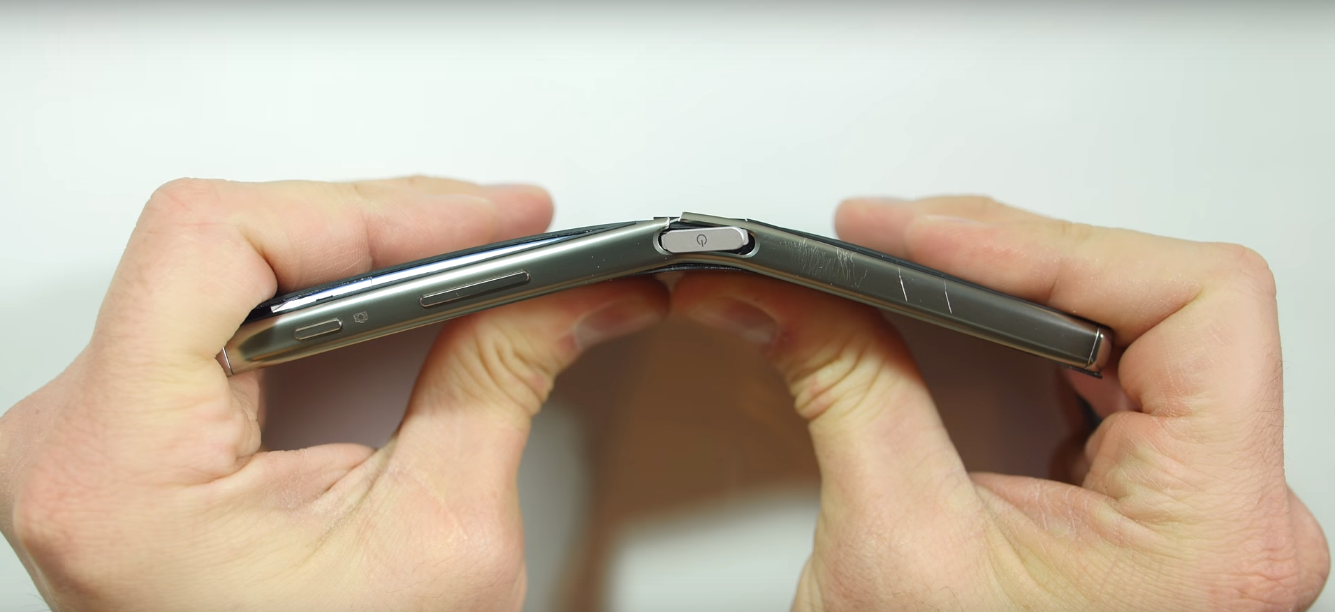 Watch the Sony Xperia Z5 Premium get burned, scratched and ...