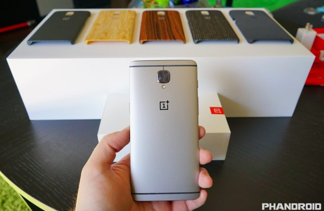 The OnePlus 3 is subjected to a set of torture tests to ...