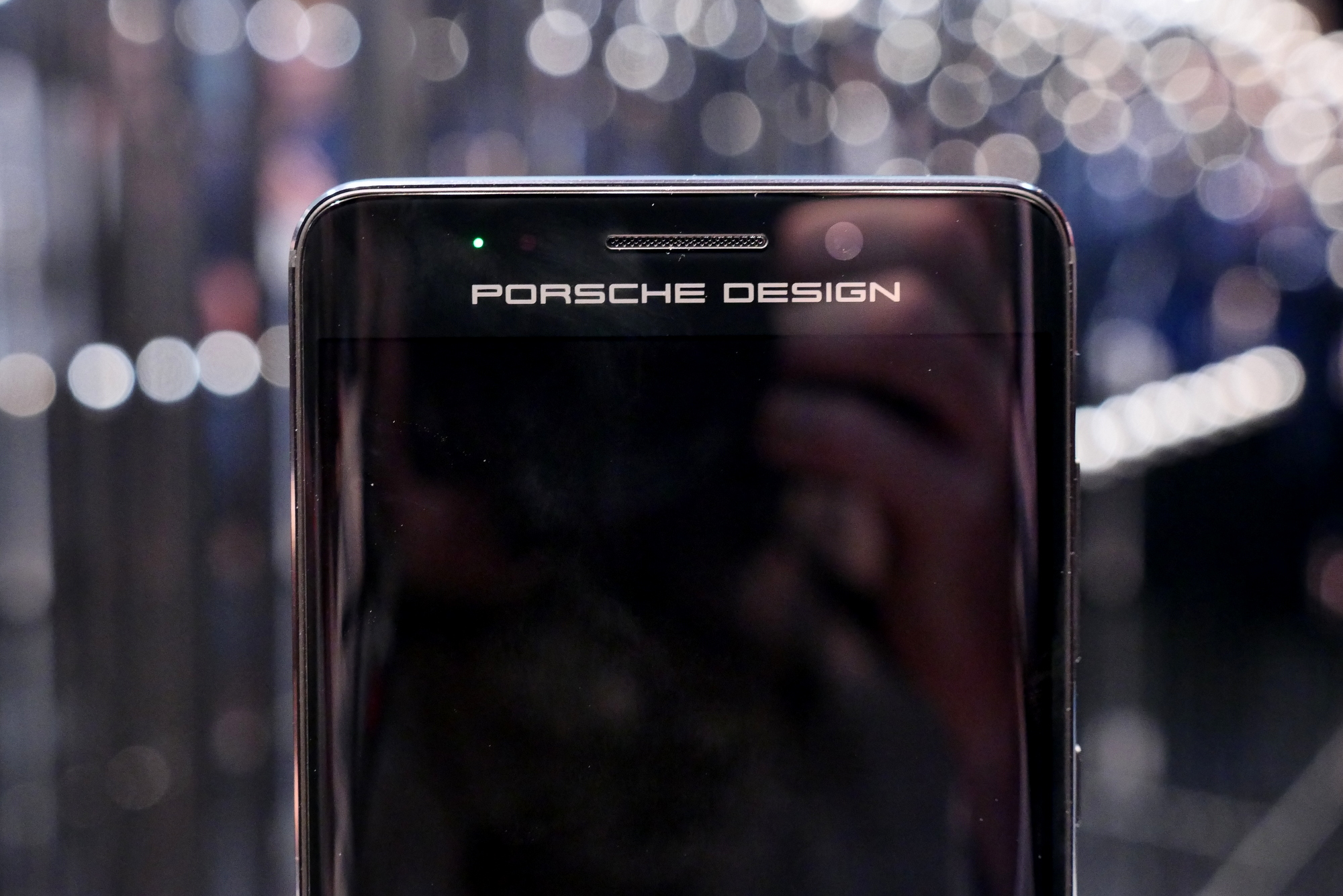 huawei mate 9 porsche design mate 9 pro first look video. Black Bedroom Furniture Sets. Home Design Ideas