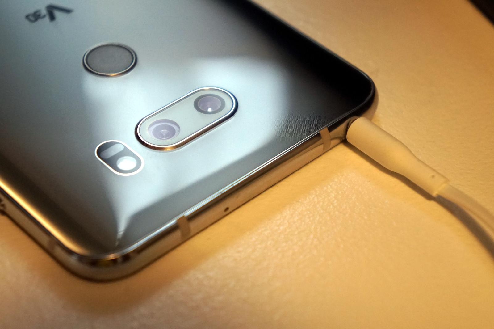 The LG V30 is the best iPhone X competitor