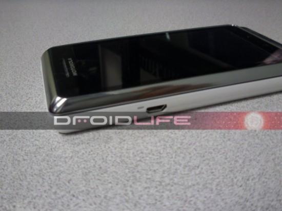 droid-2-global2-600x450