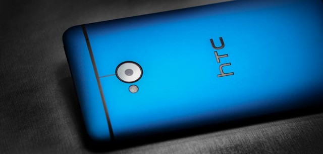 HTC One blue 2