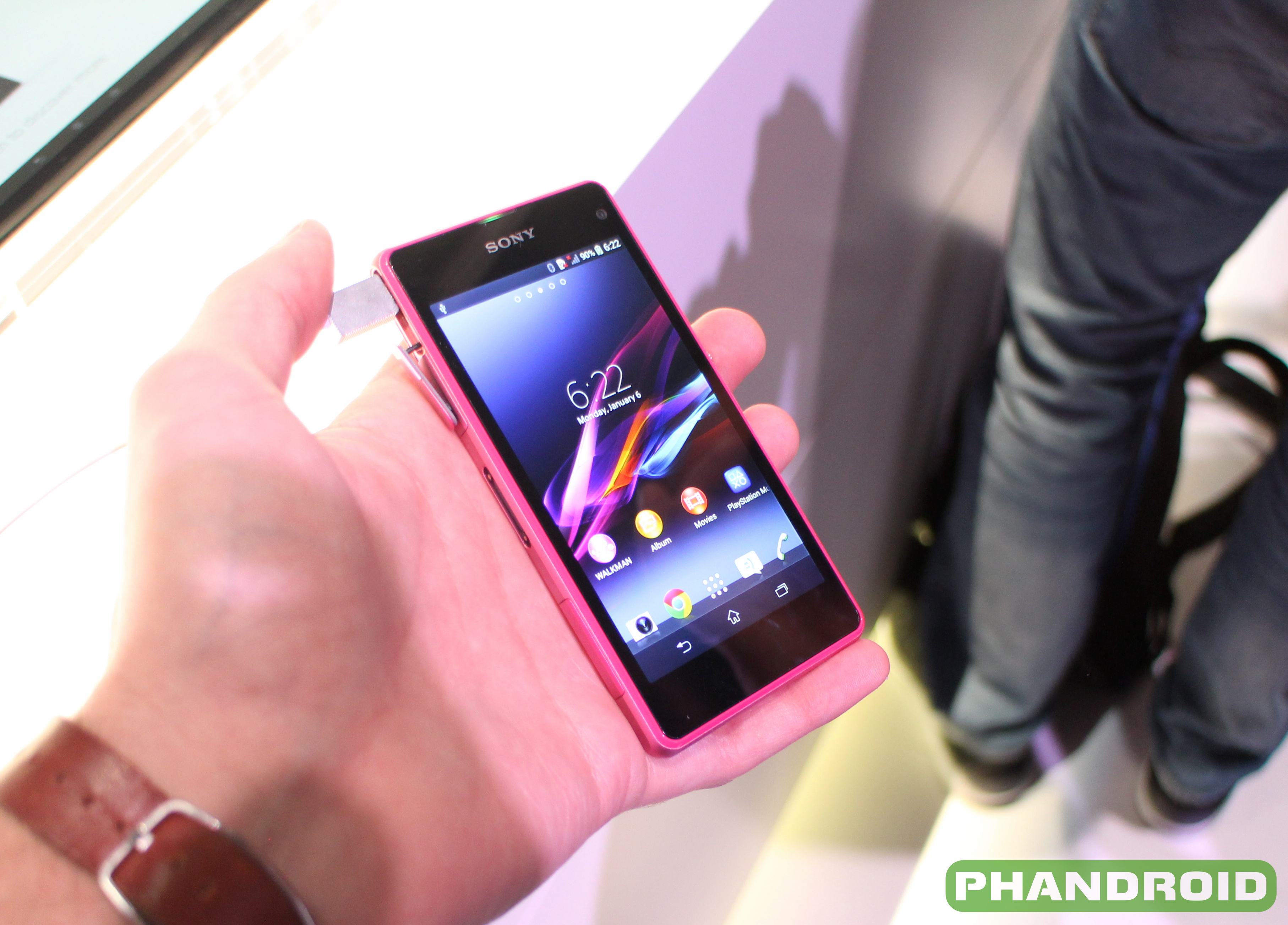 Sony Xperia Z1 Compact Now Available Direct From Supports Att