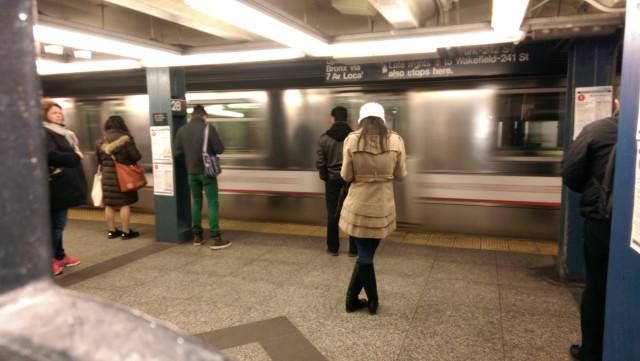 HTC-One-M8-Subway-Sample