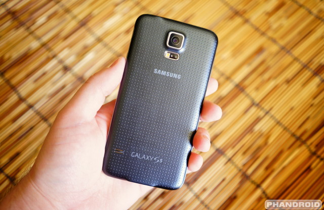 Samsung Galaxy S5  back DSC05786