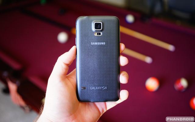 Samsung Galaxy S5 back DSC05789