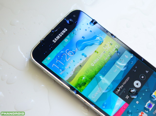 Samsung Galaxy S5 water logo wm DSC05776