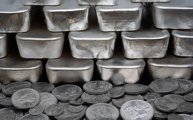 SilverBars-SilverCoins-Background