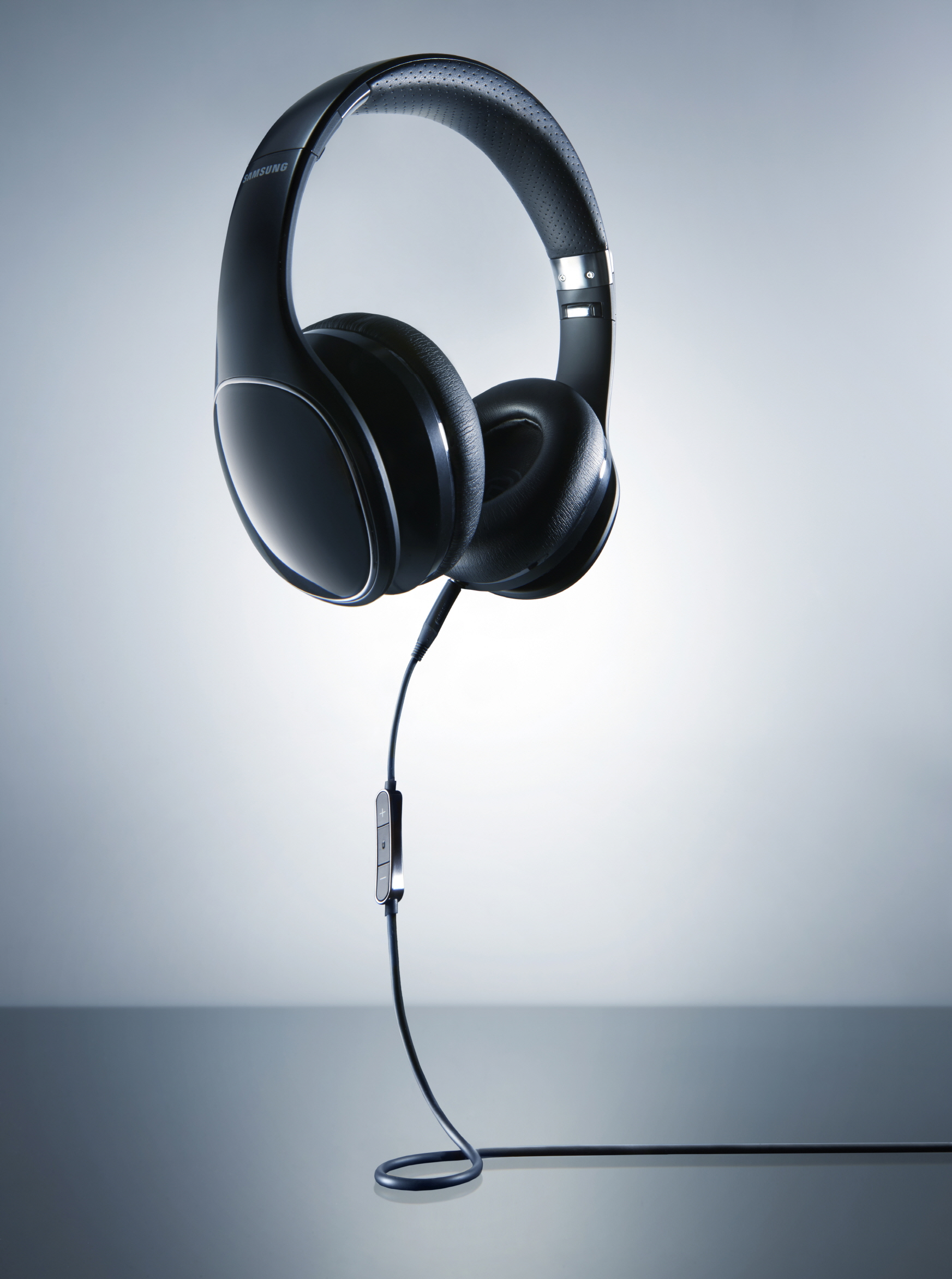 Samsung Launches Two New Level-Audio Products in Denmark