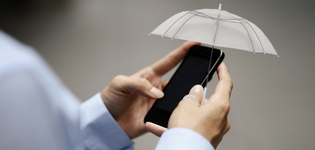 Thumbrella: an Umbrella on your Thumb for your Smartphone