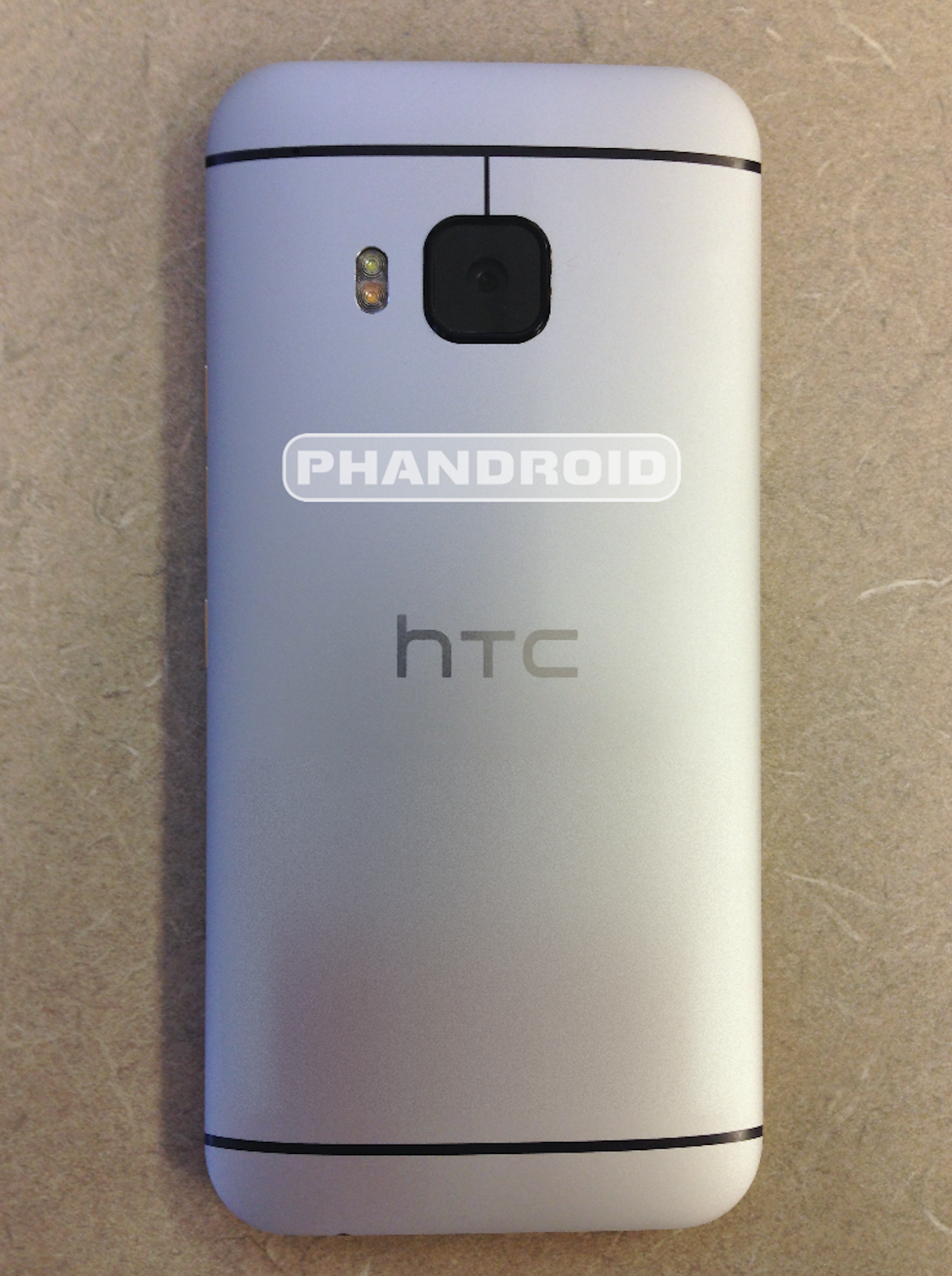 Newly-leaked HTC One M9 pictures show subtle build changes ...