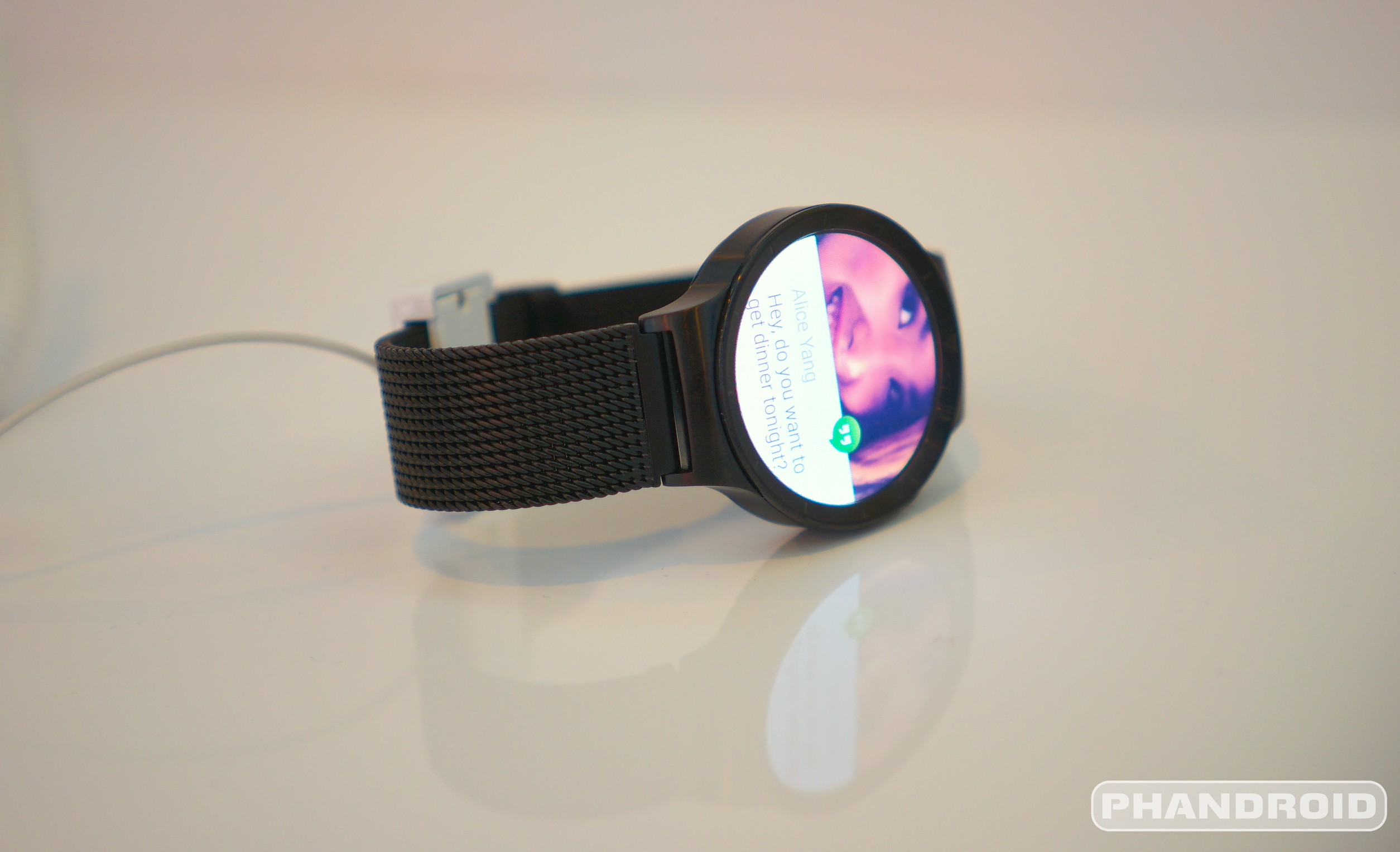 Hands-on with the elegant Huawei Watch [VIDEO]