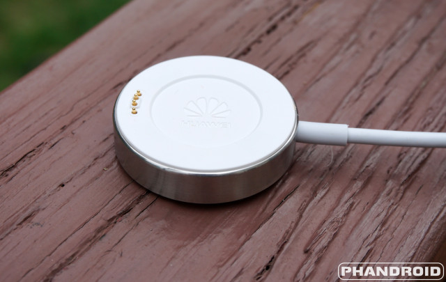 Huawei_Watch_Charging_Cradle