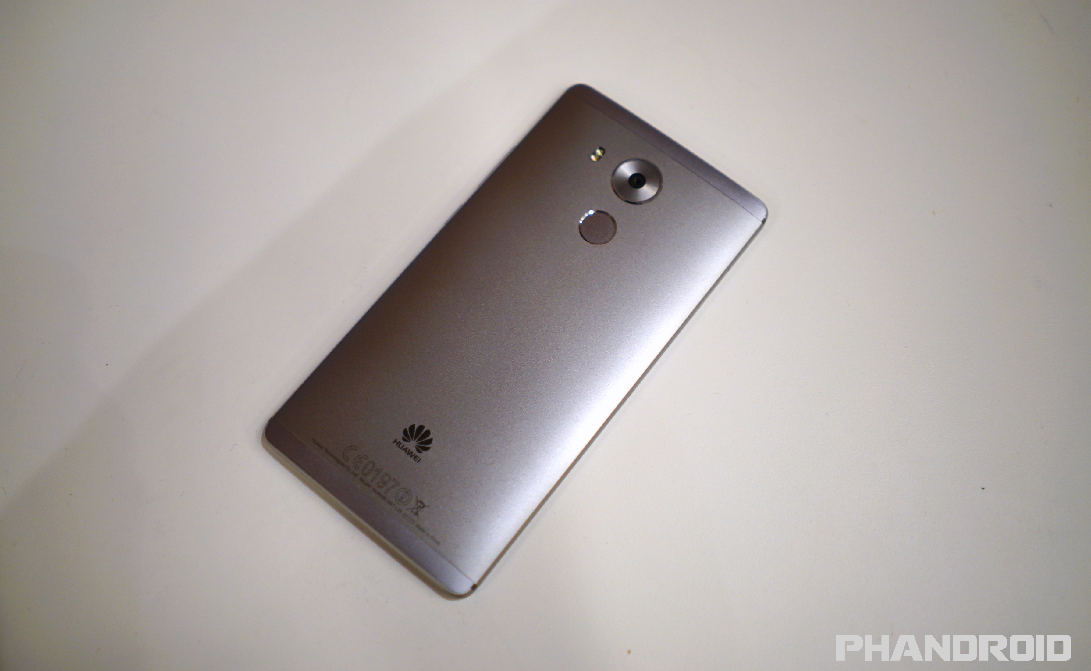 Hands-on: Huawei Mate 8 and its massive 4,000mAh battery ...