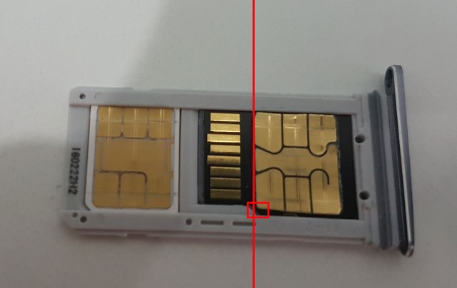 Galaxy S7 can read 2 SIM cards and a microSD card at the same time if you're crafty enough