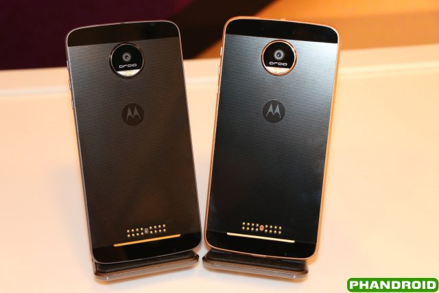 hands on the moto z droid vs the moto z force droid. Black Bedroom Furniture Sets. Home Design Ideas