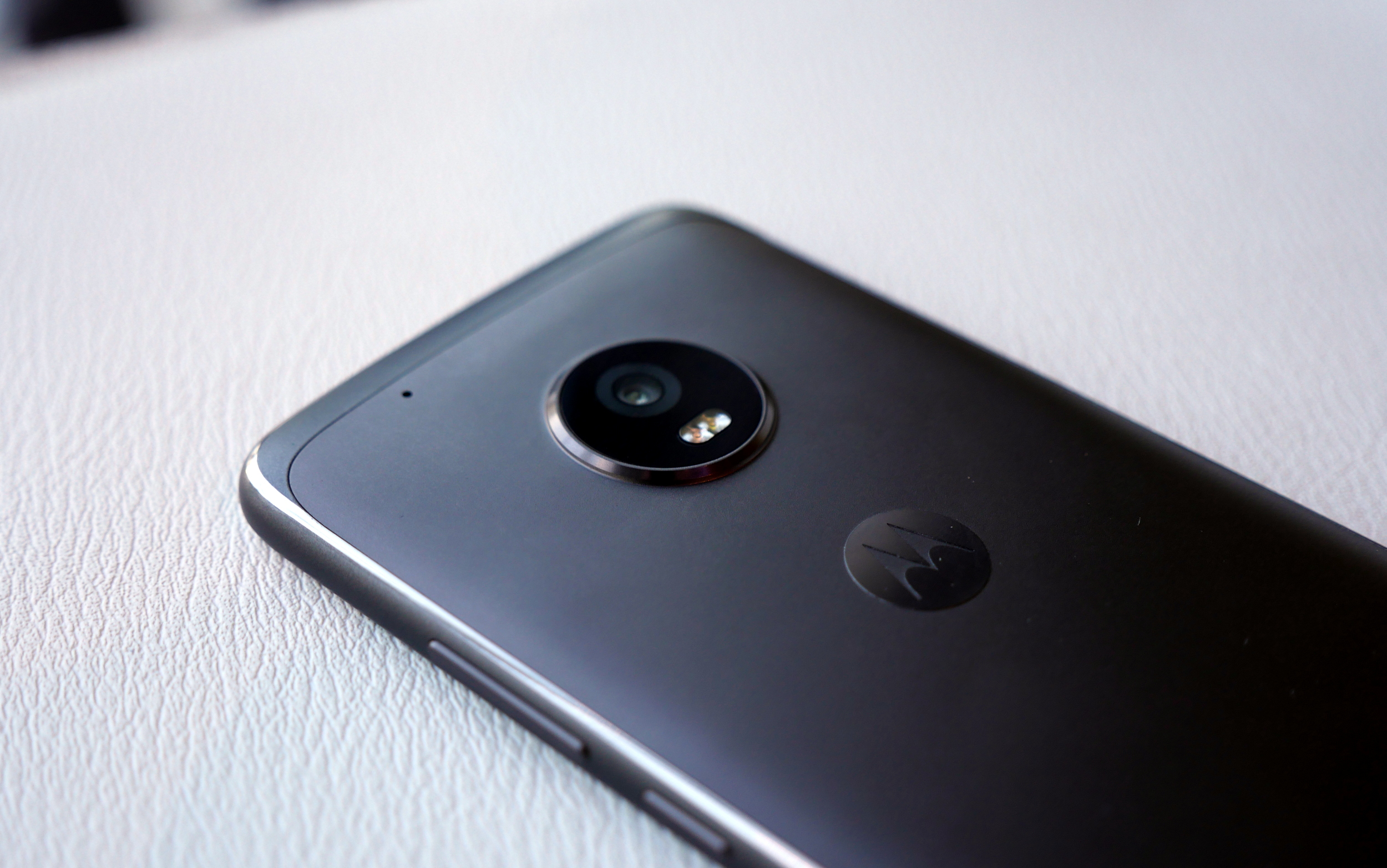 how to change camera storage in moto g4 plus