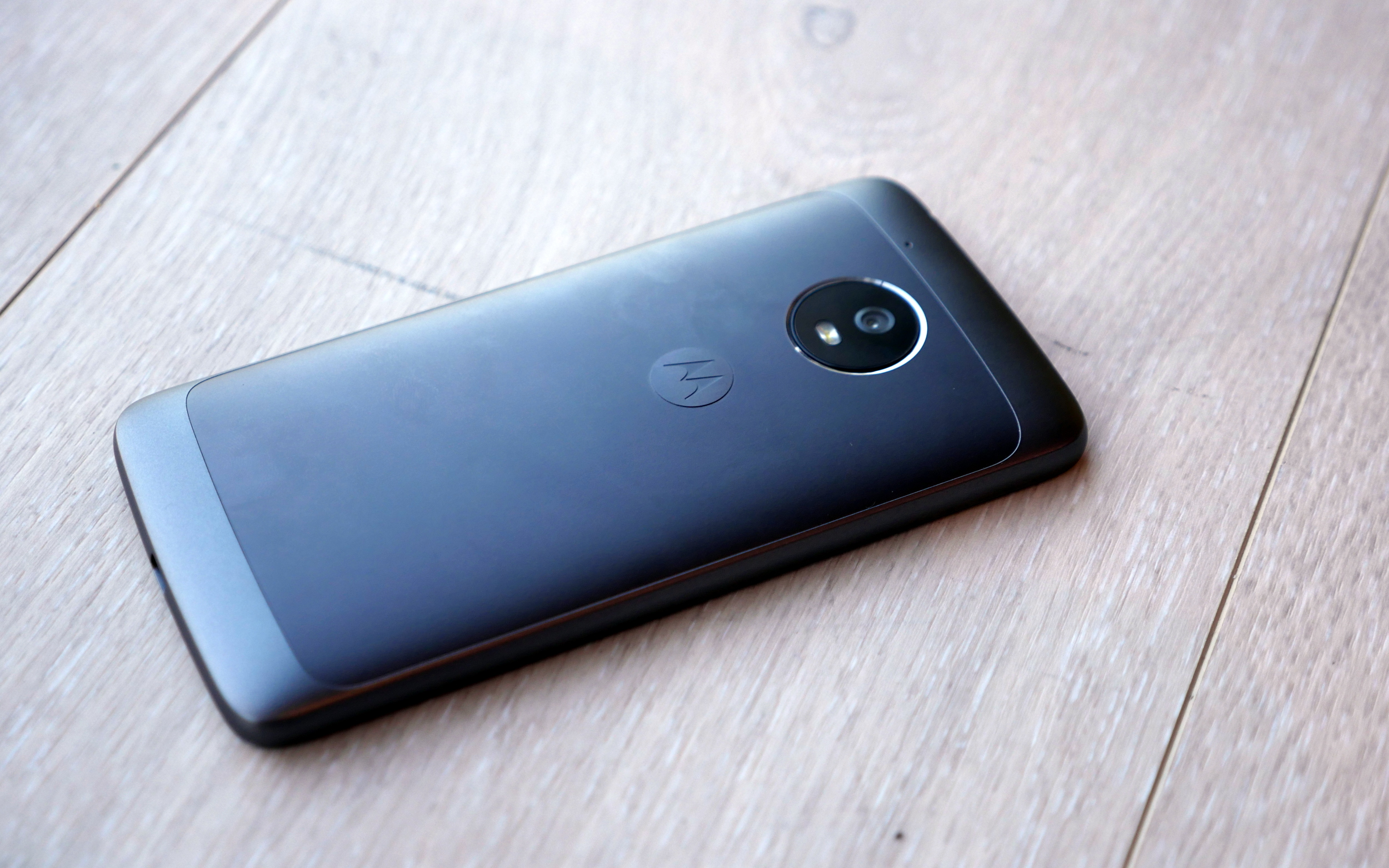 Hands-on with the Moto G5 Plus & Moto G5 [VIDEO]